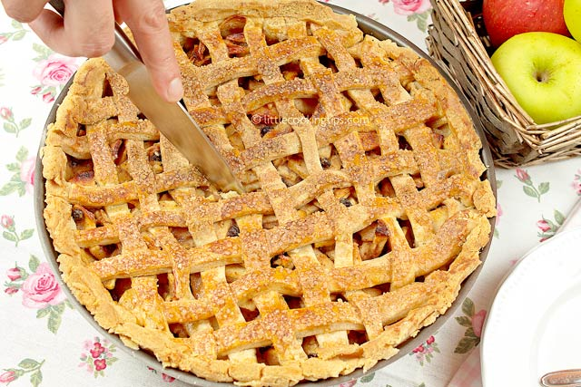 Little Cooking Tips Traditional Homemade Apple Pie
