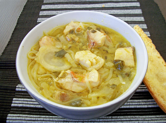 Little Cooking Tips Easy noodle soup with fish, onions and fennel