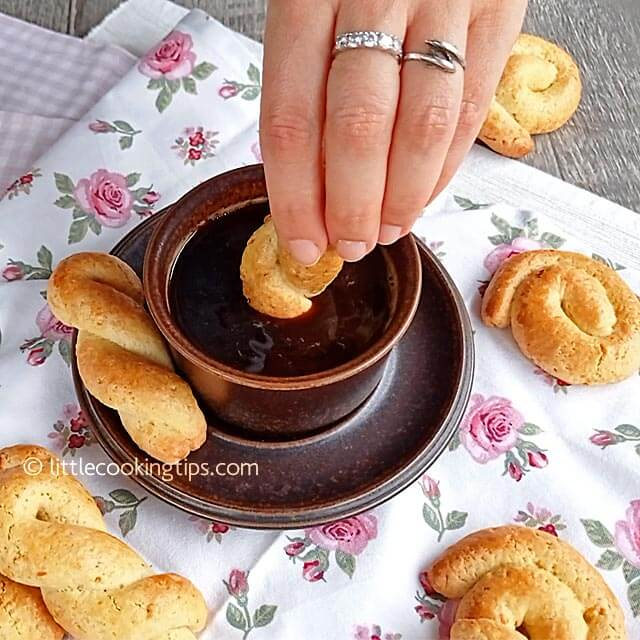 Little Cooking Tips - Koulourakia Traditional Greek Butter Orange Cookies