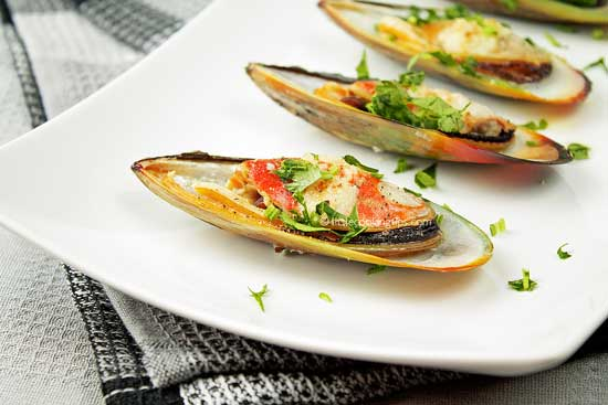 Garlic butter broiled mussels in easy steps