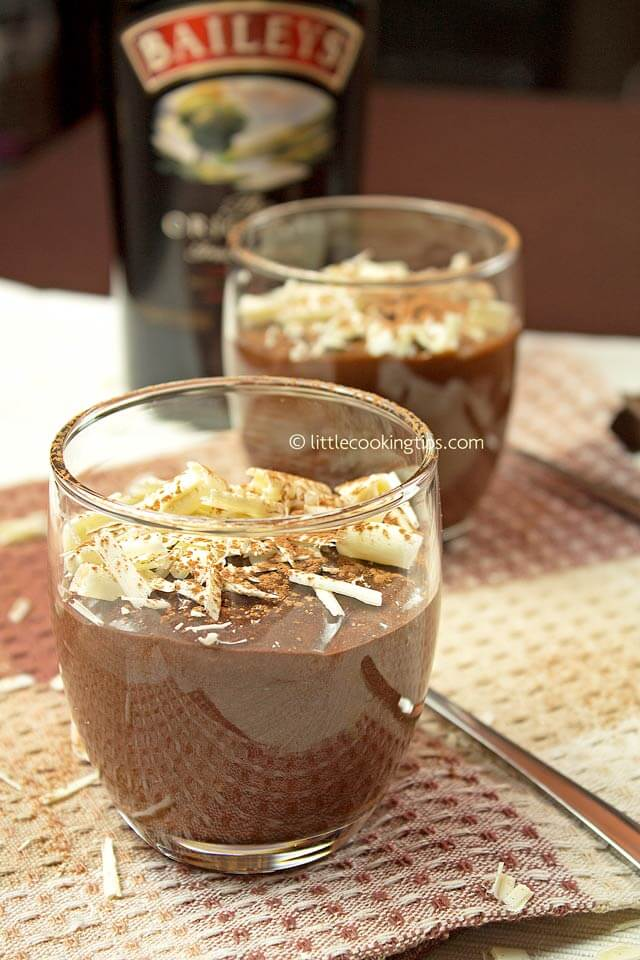 Chocolate Mousse with Baileys | Little Cooking Tips