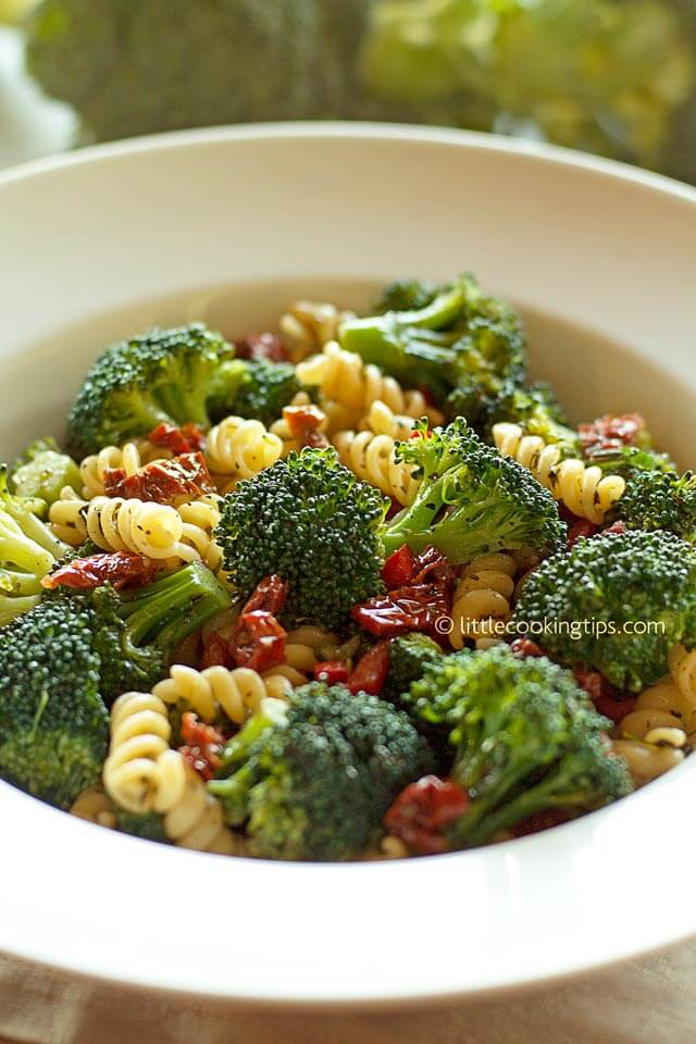 LIttle Cooking Tips Mediterranean broccoli pasta salad