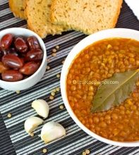 Traditional Greek Lentil Soup : Fakes