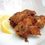 Crispy fried fish : beer battered tasty cod fish bites!